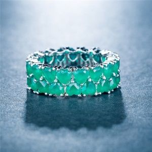 Gorgeous 925 Silver Heart Shape Emerald Ring New